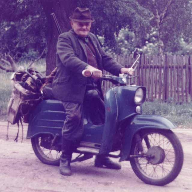 Moped_A.jpg